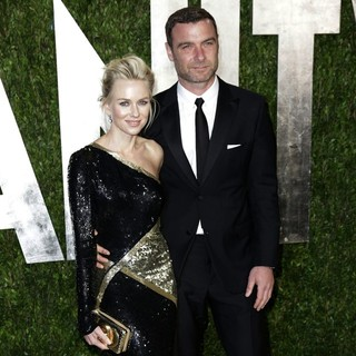 Naomi Watts, Liev Schreiber in 2013 Vanity Fair Oscar Party - Arrivals