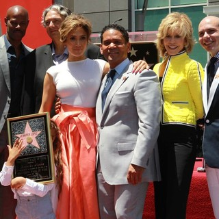 Keenen Ivory Wayans, Gregory Nava, Jennifer Lopez, Benny Medina, Jane Fonda, Pitbull in Jennifer Lopez Is Honoured with The 2,500th Star on The Hollywood Walk of Fame