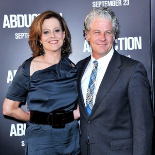 Sigourney Weaver, Jim Simpson in The Premiere of Abduction - Arrivals