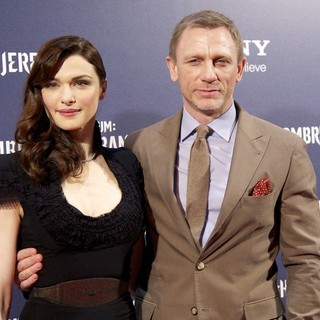 Rachel Weisz, Daniel Craig in Miillenium: The Girl With The Dragon Tattoo Premiere - Arrivals