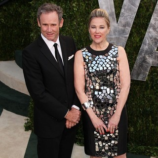 Bo Welch, Catherine O'Hara in 2012 Vanity Fair Oscar Party - Arrivals