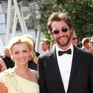 Noah Wyle in 2011 Primetime Creative Arts Emmy Awards - Arrivals - wells-wyle-2011-primetime-creative-arts-emmy-awards-01