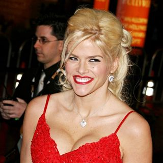 Anna Nicole Smith in 'Be Cool' Premiere