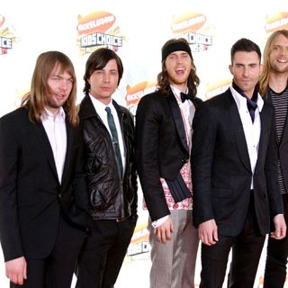 Maroon 5 in Nickelodeon's 20th Annual Kid's Choice Awards
