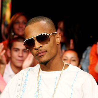 T.I. in MTV's Mi Total Request Live
