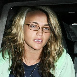 Jamie Lynn Spears in Britney Spears and Jamie Lynn Spears Go to Taco Bell Drive-Thru