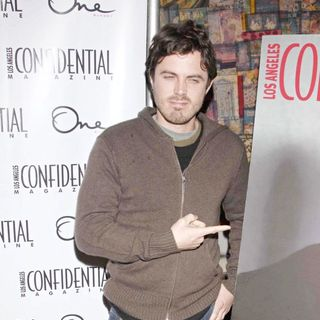Casey Affleck in Casey Affleck Joins Niche Media to Celebrate Los Angeles Confidential's Newest Issue - Arrivals