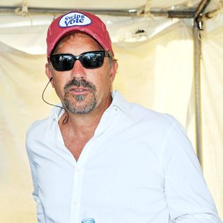 Kevin Costner - The NASCAR Sprint Cup Series Coke Zero 400
