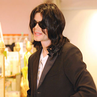 Michael Jackson in Michael Jackson Shopping in Hollywood