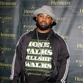 Raekwon in The Honey Collective and Hennessy invite you to Flaunt Your Taste