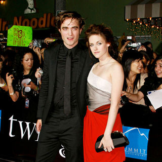 Robert Pattinson, Kristen Stewart in Los Angeles Premiere of The Film 'Twilight'