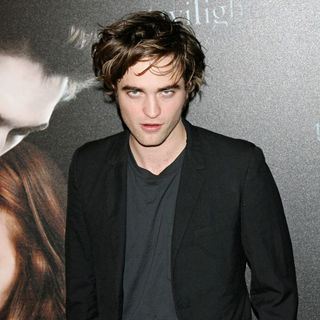 Robert Pattinson - Photocall of The French Release of The Film 'Twilight'