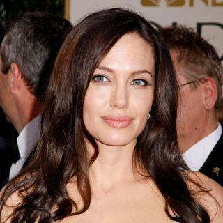 Angelina Jolie in 66th Annual Golden Globe Awards - Red Carpet