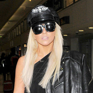 Lady GaGa - Lady GaGa Arrives at Heathrow Airport Early This Morning, Following Her Week Long Stay in London
