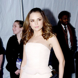 Rachael Leigh Cook in The Creative Coalition 2009 Inaugural Ball - Arrivals