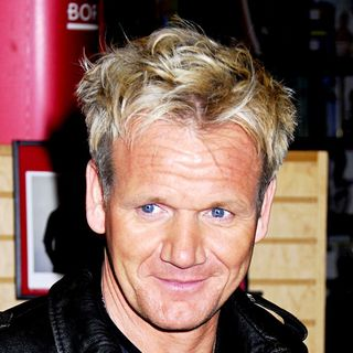 Gordon Ramsay in Gordon Ramsay Signing His New Book 'Gordon Ramsay's Healthy Appetite'