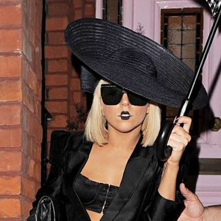 Lady GaGa - Lady GaGa Arrives at Fellow Mika's House