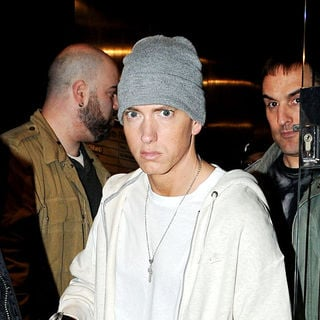 Eminem - Eminem leaving a recording studio