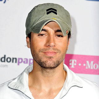 Enrique Iglesias in Summertime Ball 2009 - Press Room