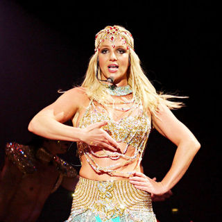Britney Spears - Britney Spears Performing Live in Concert on Her Last Performance of The 'Circus' Tour