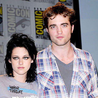 Kristen Stewart - 'New Moon' Press Conference at Comic-Con 2009
