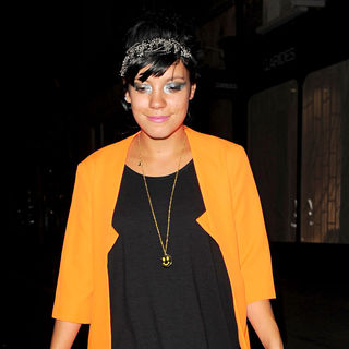 Lily Allen Leaving The Lazarides Galleries with A Friend - wenn2537539