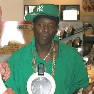 Flavor Flav Shopping at A 7-Eleven Store