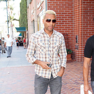 Tony Kanal, No Doubt in Tony Kanal Out and About on Bedford Street