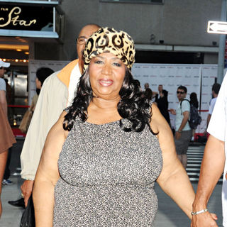 Aretha Franklin - Aretha Franklin Spends A Night Out with Friends