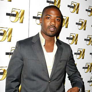 Ray J in Floyd Mayweather hosts his official after-fight party