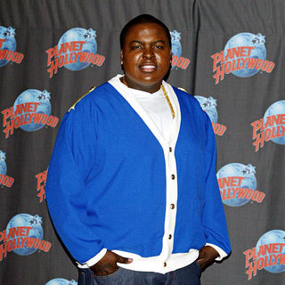 Sean Kingston - Sean Kingston Celebrates The Release of His Sophomore Album 'Tomorrow' with A Hand Print Ceremony