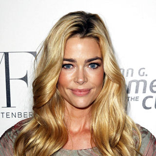 Denise Richards in Fashion show for Susan G. Komen for the Cure in aid of breast cancer