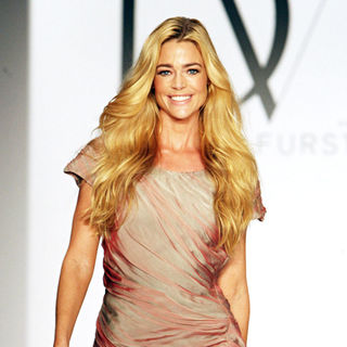 Denise Richards in Fashion show for Susan G. Komen for the Cure in aid of breast cancer - Runway