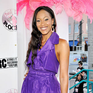 Shontelle - Think Pink Rocks concert to benefit breast cancer charities