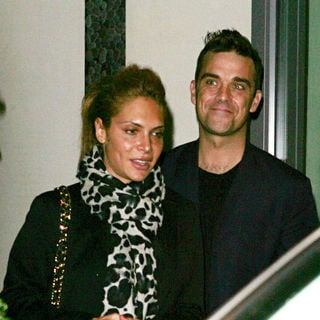 Robbie Williams - Robbie Williams and Ayda Field Leaving A Hotel in Soho
