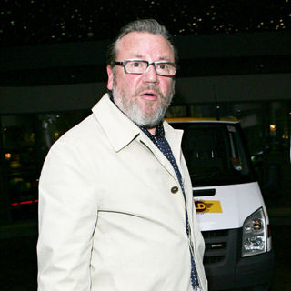 Ray Winstone in Ray Winstone outside the Soho Hotel