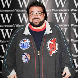 Kevin Smith in Kevin Smith promoting and signing copies of his new book 'Shootin' the Sh*t with Kevin Smith'