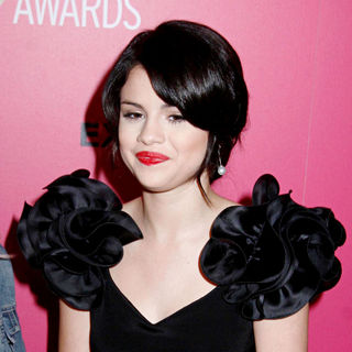 Selena Gomez - The 6th Annual Hollywood Style Awards