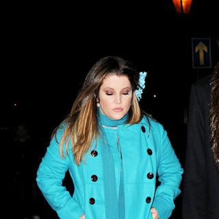 Lisa Marie Presley arrives at Sarah Ferguson, Duchess of York, 50th Birthday Party
