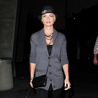 Jaime Pressly in Jaime Pressly Arrives at The Staples Center for UFC Fight Machida vs. Shogun World Light Heavyweight