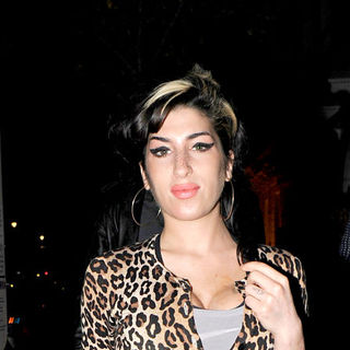Amy Winehouse - Amy Winehouse leaving a Doctor's Surgery