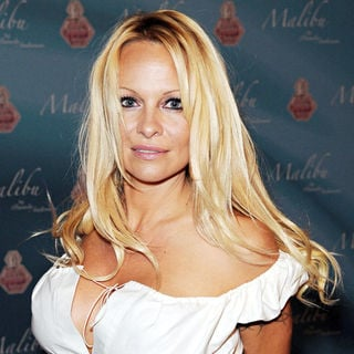 Pamela Anderson - Pamela Anderson launches her new perfume 'Malibu'