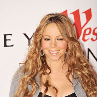 Mariah Carey in Illuminates London with A Special Signing of Mariah Carey Forthcoming Album