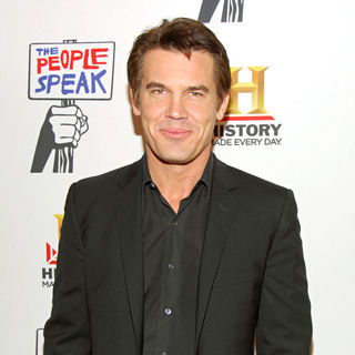 Josh Brolin in Premiere screening of 'The People Speak' presented by the History Channel - Arrivals - wenn2663251