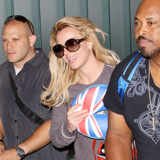 Britney Spears - Britney Spears Arrives at LAX Airport After Jetting In from Australia