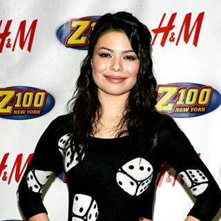 Miranda Cosgrove in Z100's Jingle Ball 2009