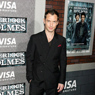 Jude Law in New York premiere of 'Sherlock Holmes' - Arrivals