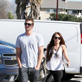 Miley Cyrus - Miley Cyrus and Liam Hemsworth leave Coffee Bean in Toluca and heads for a sushi lunch
