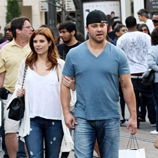 Nick Swisher shops with Joanna Garcia in Hollywood
