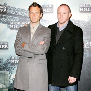 Jude Law, Guy Ritchie in Photocall for the movie 'Sherlock Holmes'